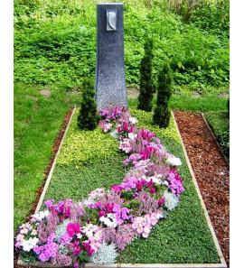 Озеленение могил на кладбище