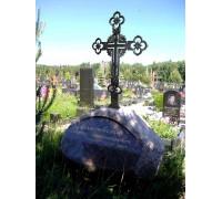 Памятник Скала с кованным крестом ts0156