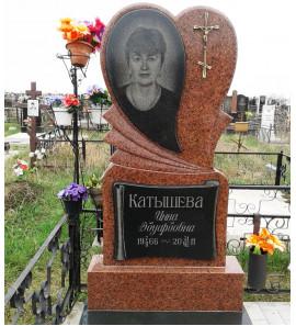 Памятник в форме Cердца из красного гранита ts0187