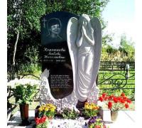 Мемориальный комплекс со скульптурой ангела ts0214