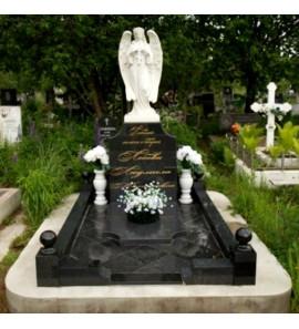 Мемориальный комплекс со скульптурой ангела ts0228