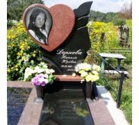 Памятник в форме Cердца из красного гранита ts0250