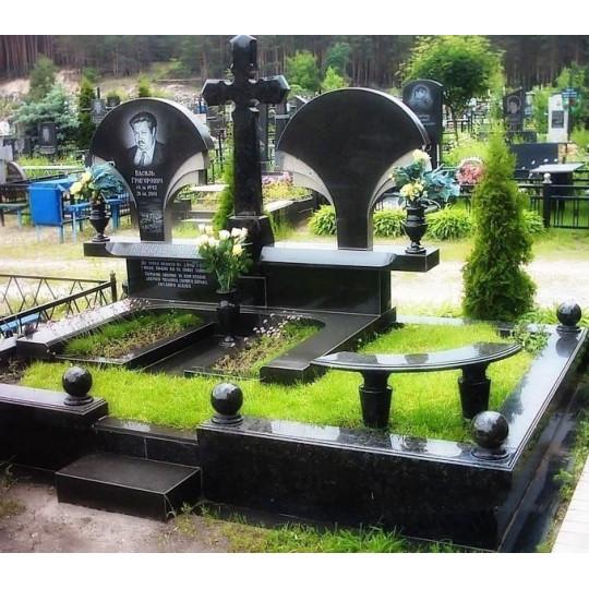 Мемориальный комплекс на двоих с крестом ts0293
