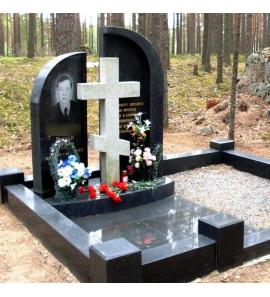 Мемориальный комплекс с крестом ts0151