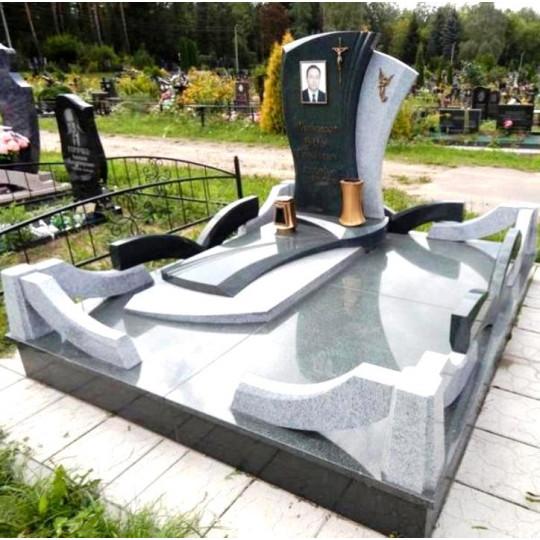 Памятник фигурный с крестом ts0147