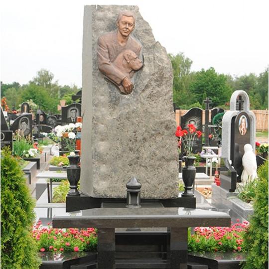 Памятник Cкала с барельефом ts0102