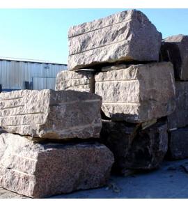 Камень гранит в Санкт-Петербурге