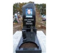 Гранитный памятник на могилу с цветным портретом