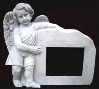 Статуя Ангелочка держащего камень ts0420