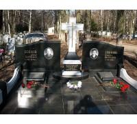 Памятник из гранита с крестом на могилу родителям