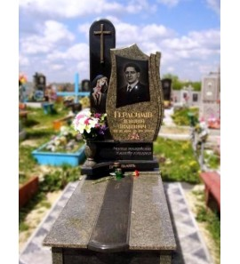 Памятник из черного и зеленого гранита ts0595