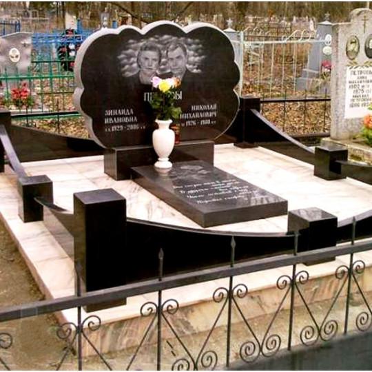 Памятник горизонтальный фигурный из гранита для двоих ts0174