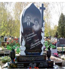 Памятник вертикальный семейный со свечой ts0079