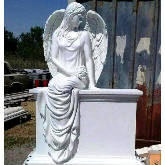 Памятник гранитный скульптура ts0071