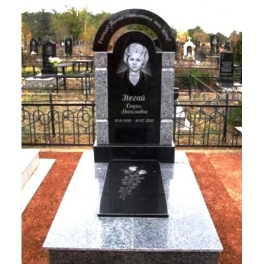 Памятник на могилу в форме Арки ts0581