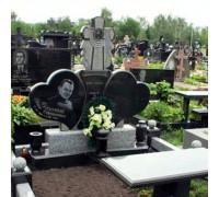 Памятник семейный два сердца с крестом ts0295