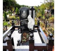 Памятник резная стела со скорбящей матерью ts0081