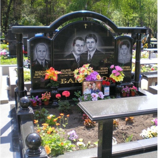 Комплекс мемориальный семейный с аркой ts0297