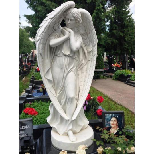 Скульптура ангела для мемориального комплекса ts0217