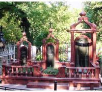 Эксклюзивный семейный мемориальный комплекс с крестом и куполом ts0351
