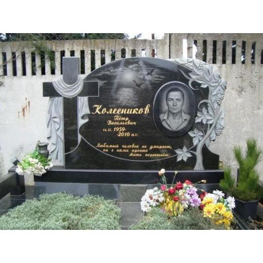 Овальный памятник с резным виноградом и Крестом на могилу