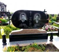 Овальный памятник на могилу родителям