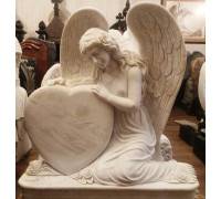 Памятник Ангел, держащий Сердце ts0436