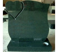 Зеленый памятник с сердцем на могилу ts0593