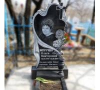 Памятник вертикальный сердце с крестом и розами ts0223