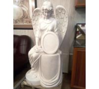 Памятник Ангел, сидящий на постаменте ts0438