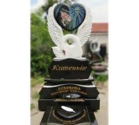 Памятник фигурный сердце и лебедь ts0276