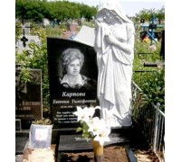 Надгробный памятник со статуей скорбящей матери