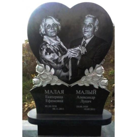 Семейный резной памятник на могилу Сердце и Розы